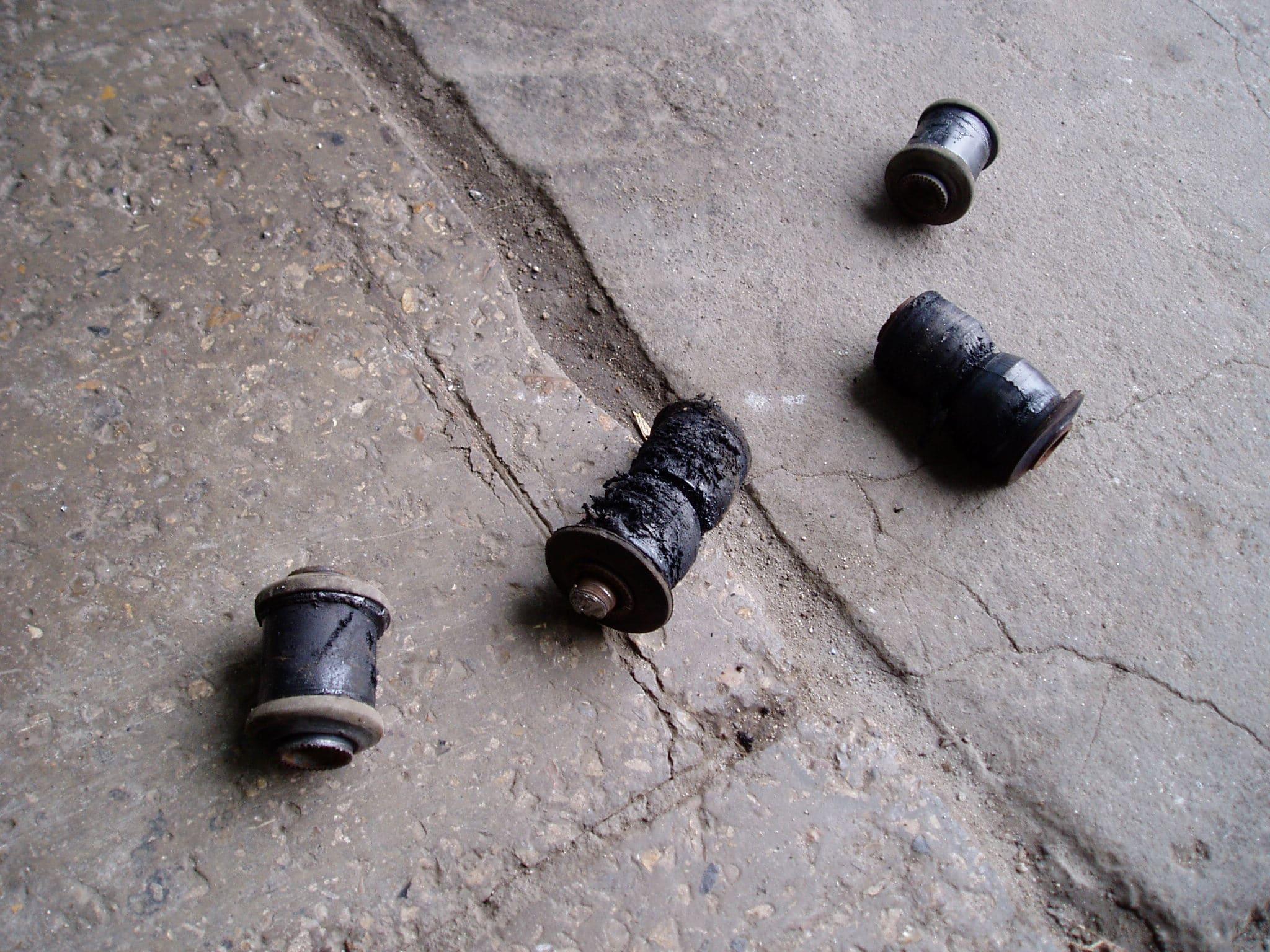 Замена сайлентблоков рамы и нижних рычагов, Pajero Sport-1