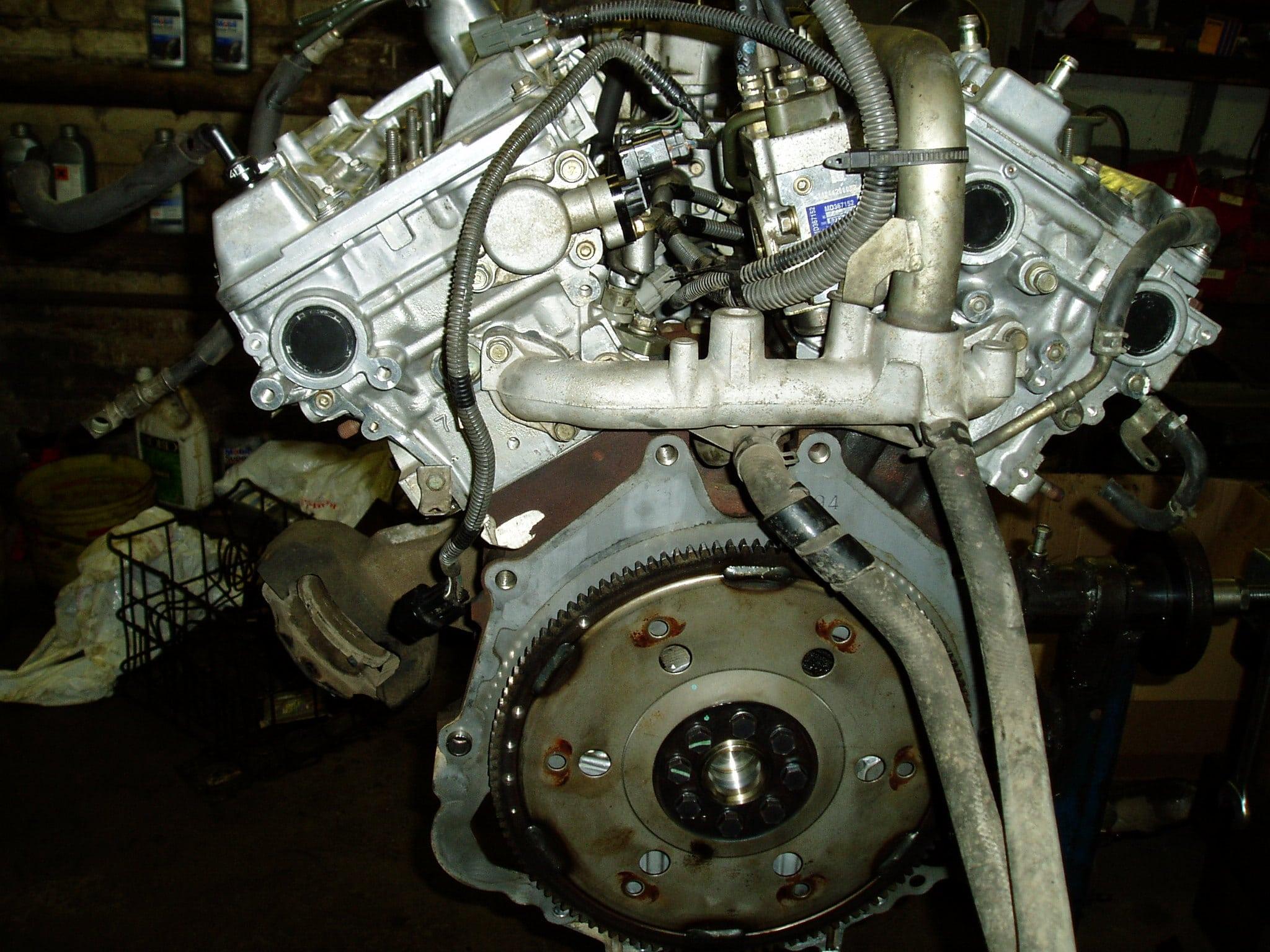 Ремонт двигателя Mitsubishi Pajero 3 GDI  3.5 L
